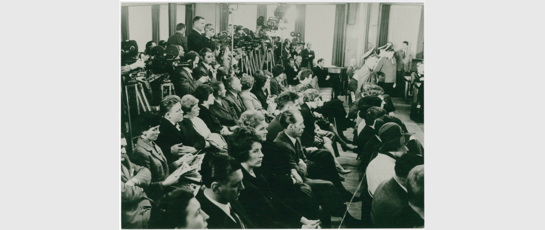 The photo shows attendees following the thalidomide trials in the great criminal court of Aachen. Picture taken around 1968.
