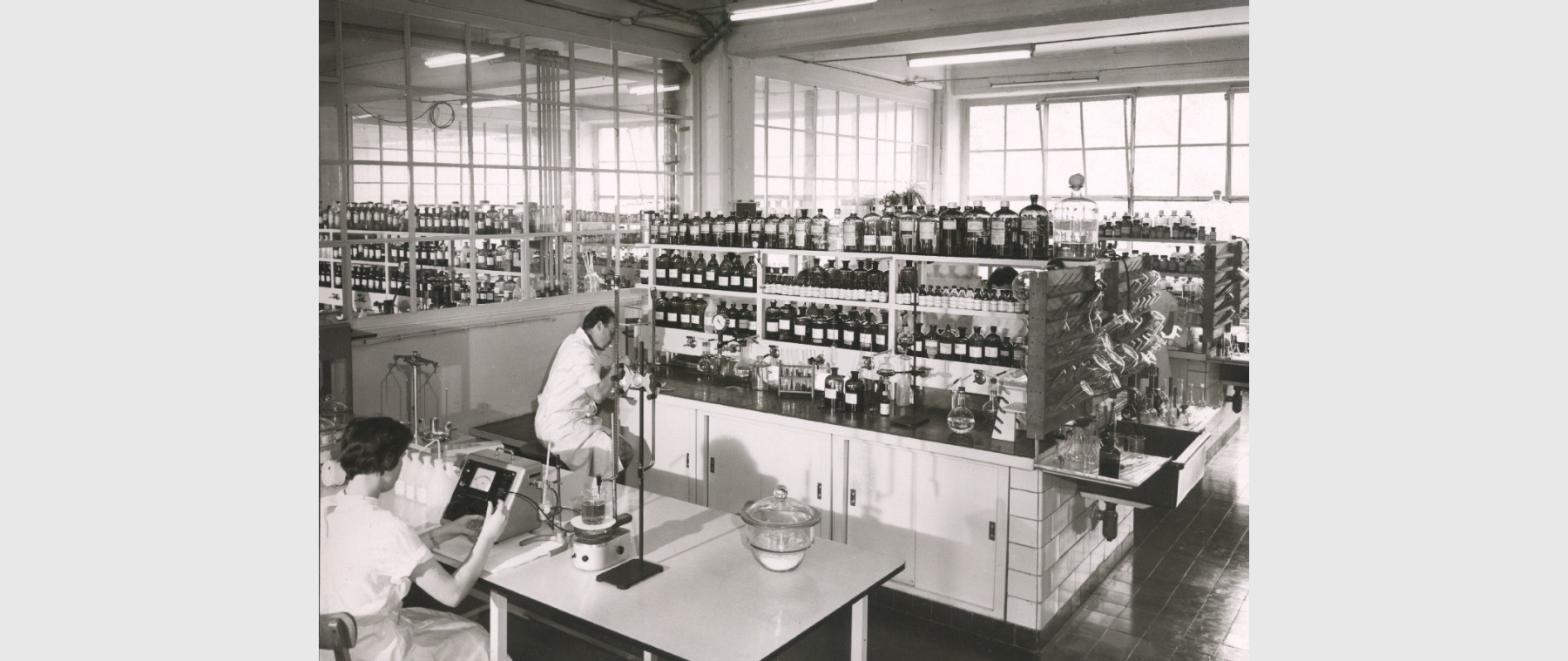 A Grünenthal research laboratory from 1965.